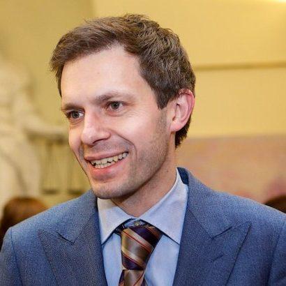 АНДРУС Б. ТАПИНАС