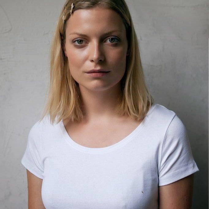 Asta Olivia